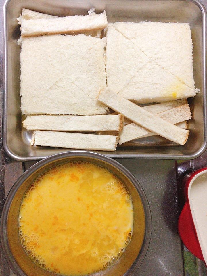 パンと卵液